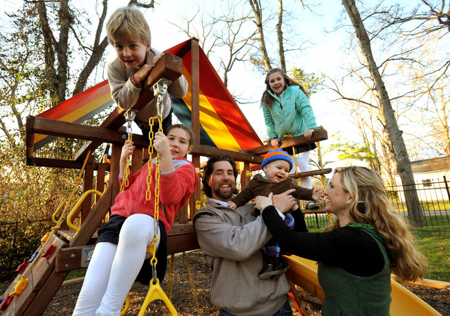 R.A. Dickey returns to his family after climbing Mt. Kilimanjaro