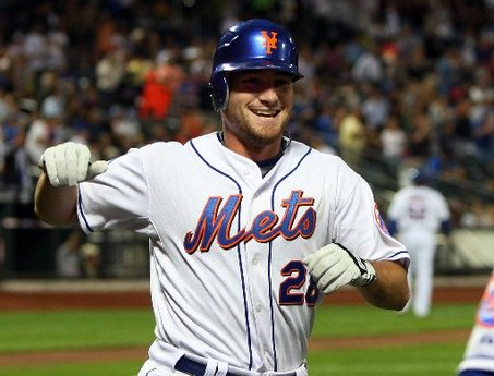 Mets lose as Murphy boots two