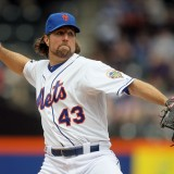 Dickey Dominant In Mets 3-1 Victory Over D-Backs