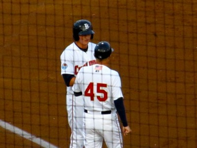 Nimmo and Cyclones manager Rich Donnelly (Photo by Jim Mancari)
