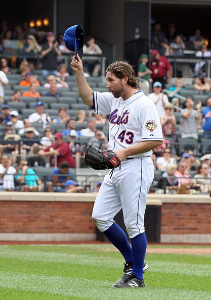 Hits & Misses: Ridiculously Amazin' Dickey, Ike's Back, Where Are The Fans?
