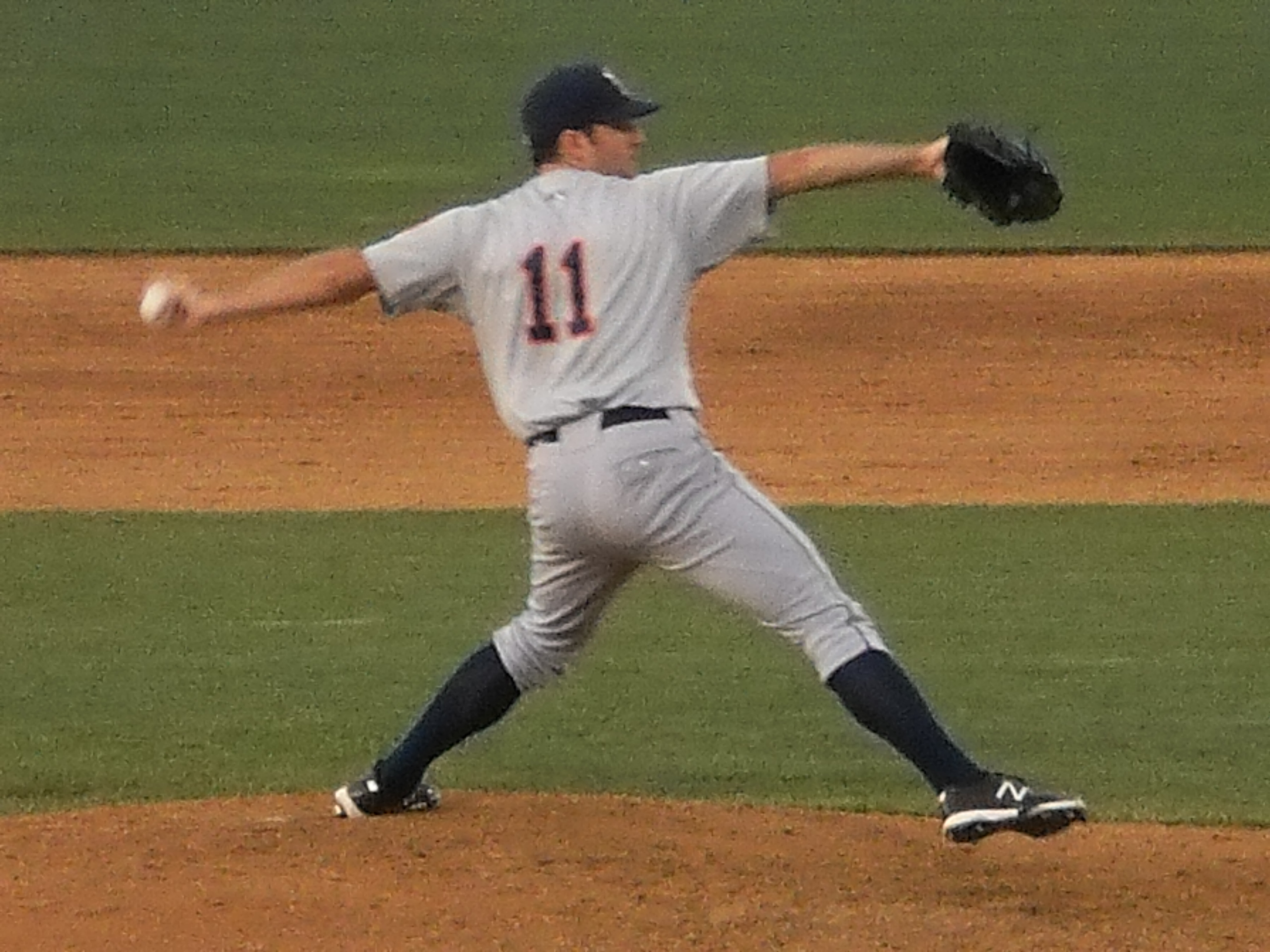 Cohoon Flirts With No-Hitter In B-Mets 5-0 Victory!