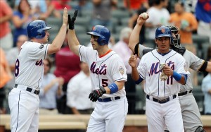 Wright homers for Dickey