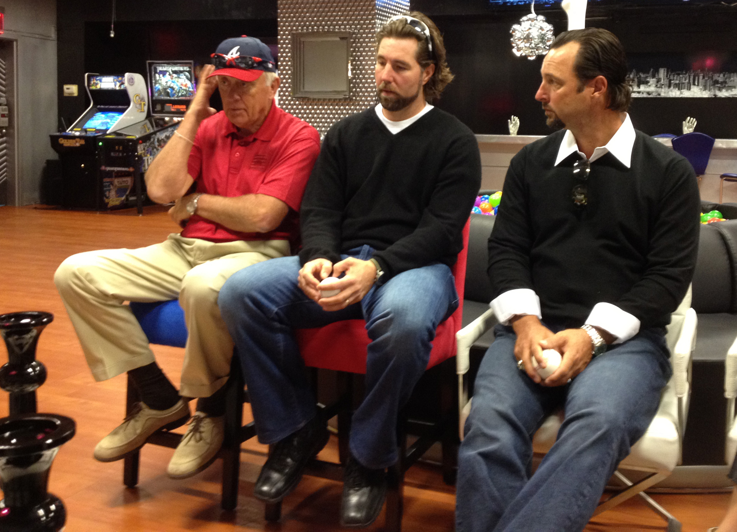 "MMO Exclusive: R.A. Dickey at the MLB Fan Cave to promote ""KnuckleBall!"""