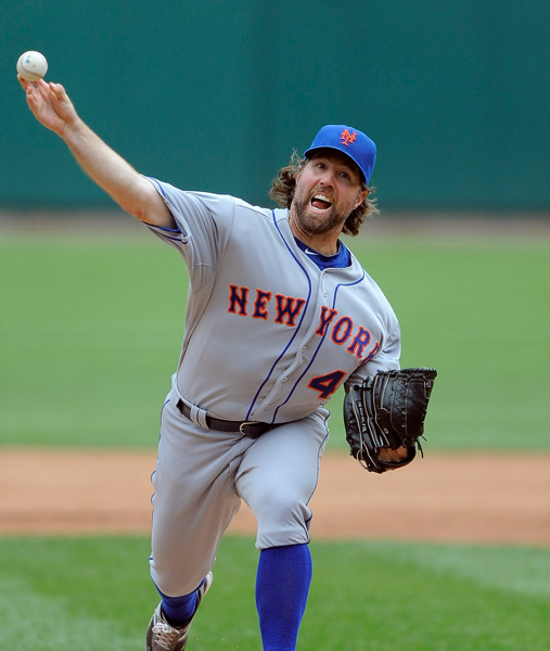 Dickey To 18 Wins! Mets Win 6-2