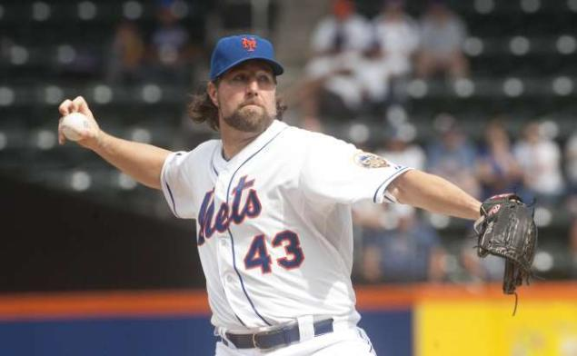 Dickey Would Take Hometown Discount To Remain With Mets