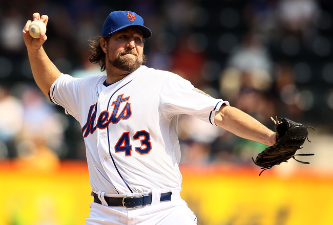 RA Dickey Wins Cy Young, Fans Still Torn About Trade Talks