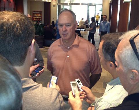 Alderson Shifts Gears, Now Looks To Free Agency For Shortstop