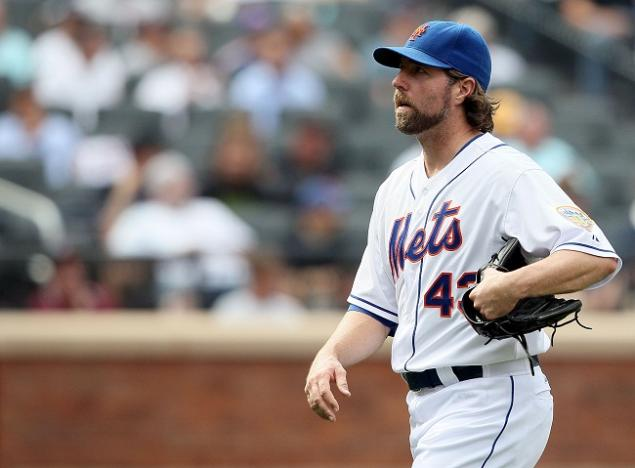Mets And Royals Discussing A Trade For R.A. Dickey?