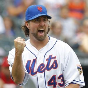 Blue Jays And Dickey Agree To Extension