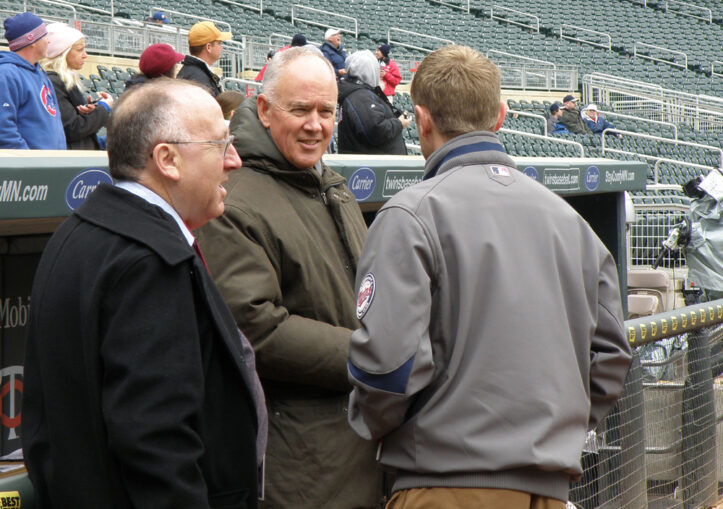 Sandy Alderson and Jay Horwitz chatting before the start of today's game.