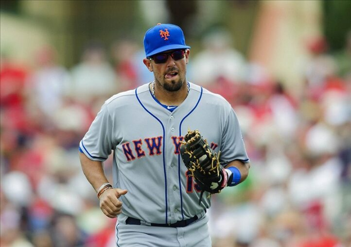 Should Zach Lutz Get a Chance While Ike Davis Struggles?