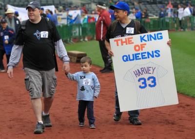 Yes, Matt Harvey is truly becoming the new King of Queens... (Photo credit goes to Gordon Donovan)