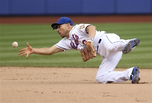 Mets Announce They Have Re-signed Omar Quintanilla