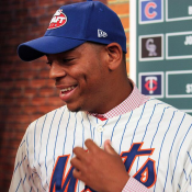 Paul DePodesta On Why Dominic Smith Will Stay At First Base