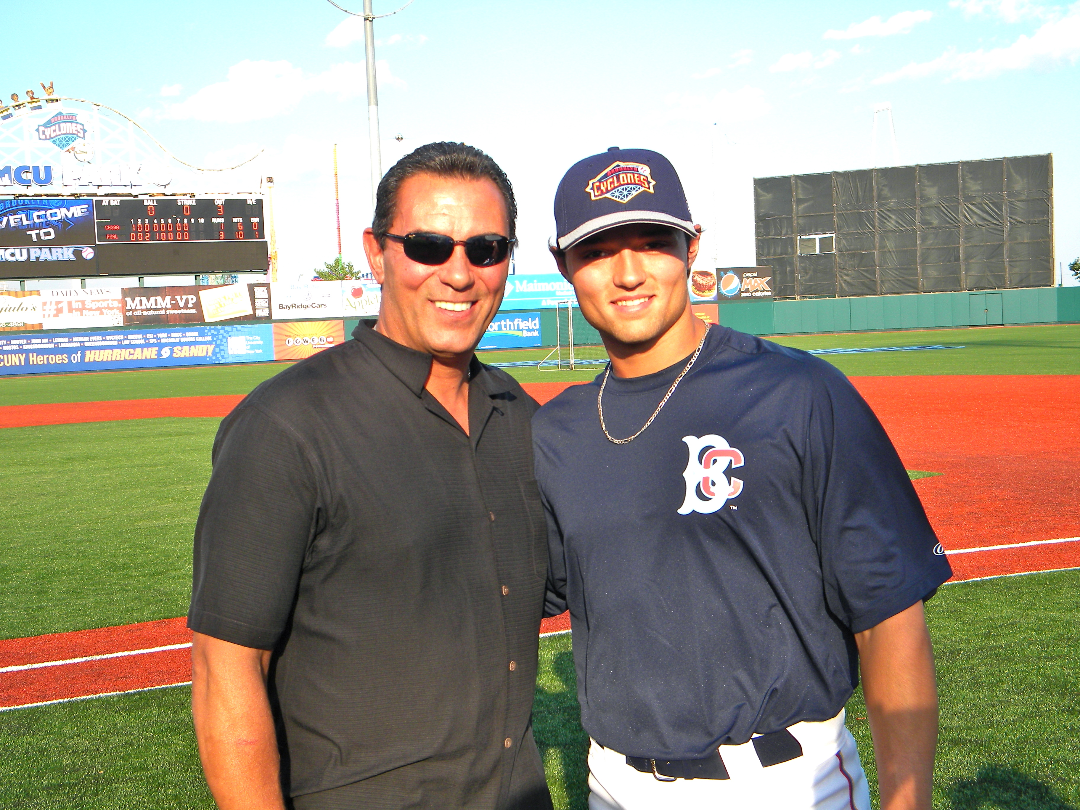 Lee and L.J. Mazzilli (Photo by Jim Mancari)