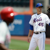 Mets Hang On For 5-4 Win Over Phillies