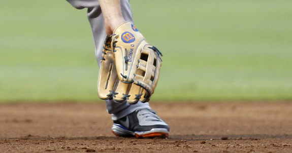 Wright's Gold Glove Defense Begins With His Glove