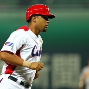 Jose Dariel Abreu Signs 6-Year Deal With White Sox