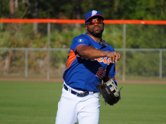 Eric Young Returns Without Any Right Hamstring Issues