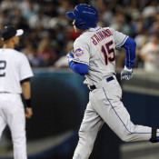Travis d'Arnaud Promotion Looming; Kirk Up, den Dekker Down