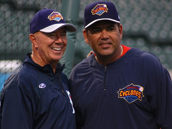 Cyclones manager Tom Gamboa and Edgardo Alfonzo (Photo by Jim Mancari)