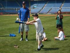 B-Mets Help Disabled Children Dream and Do