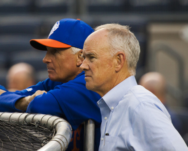 terry-collins-and-sandy-alderson-watch-bp