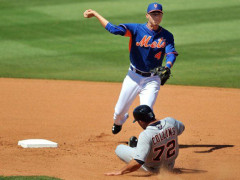Update: Collins Says Flores Is Fine, Will Play Thursday (Finger)