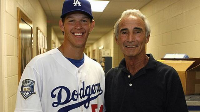 Clayton Kershaw takes a picture with Sandy Koufax