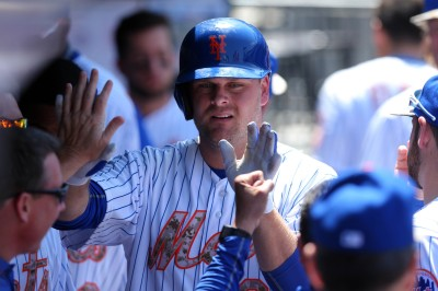 """Lucas Duda Out For Third Straight Game With """"Stiff Back"""""""