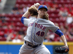 Jacob deGrom Dominates As Mets Sweep Reds 8-1
