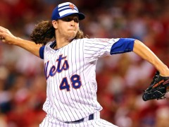 Jacob deGrom wins 2015 Wilson Defensive Player of the Year Award