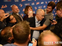 Sandy Alderson Collapsed and Passed Out While Talking To Reporters