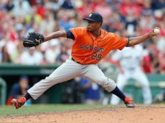 Astros Re-Sign Reliever Tony Sipp