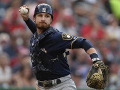Rangers To Acquire Jonathan Lucroy
