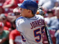 Kelly Johnson Helps Mets Keep Wild Card Lead