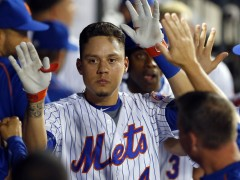 Wilmer Flores To Receive Thurman Munson Award