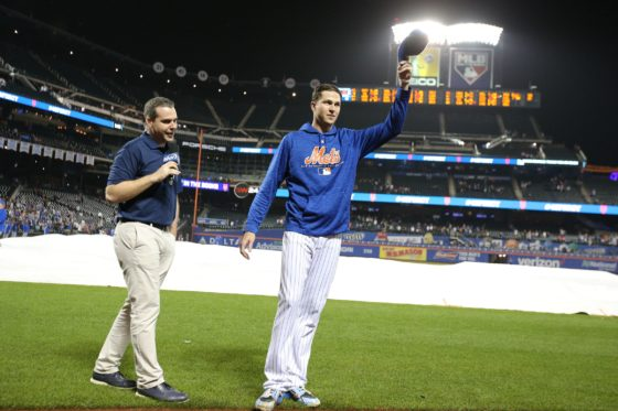 Jacob-degrom-tip-of-cap-560x373