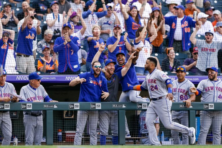 Wild Card Update: Late Inning Rallies Keep Mets Hopes Alive